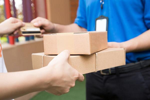Lựa chọn chiến lược về phí ship phù hợp khi ship hàng online