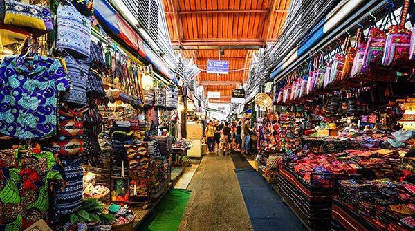 Nhập hàng giày dép từ các khu chợ Thái Lan
