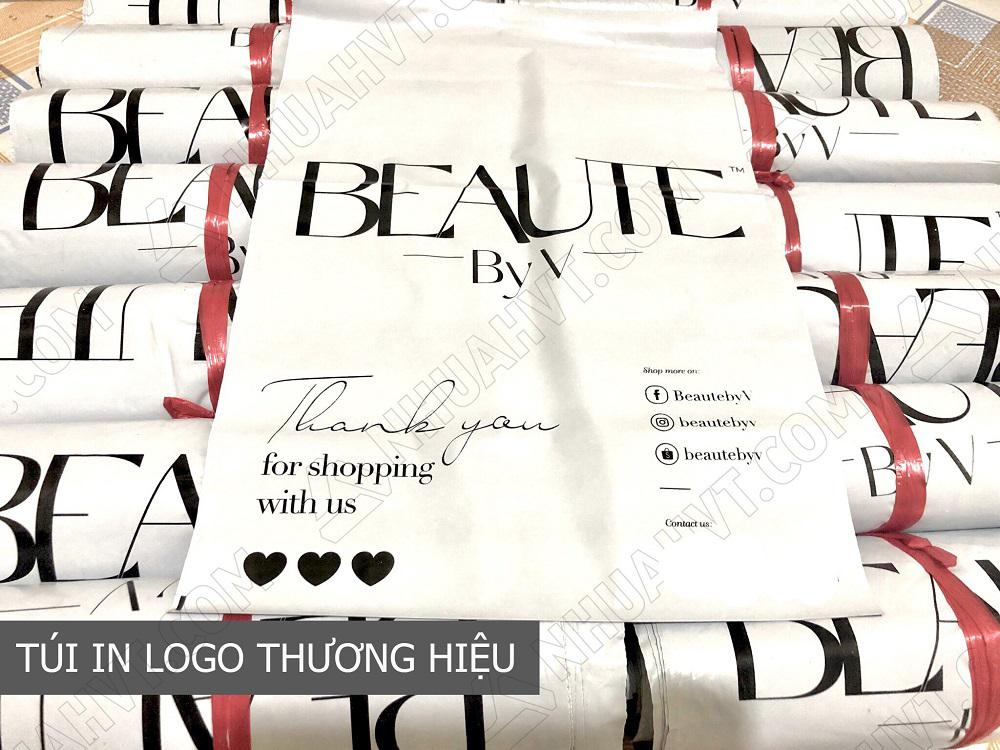 Túi gói hàng màu trắng in logo thương hiệu