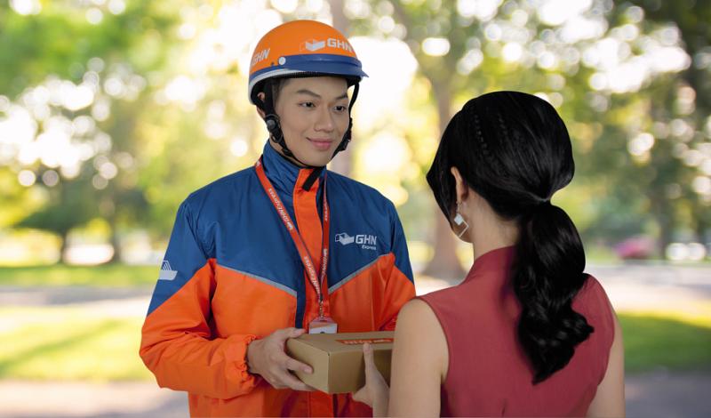 đóng gói cẩn thận sản phẩm trước khi đến tay khách hàng