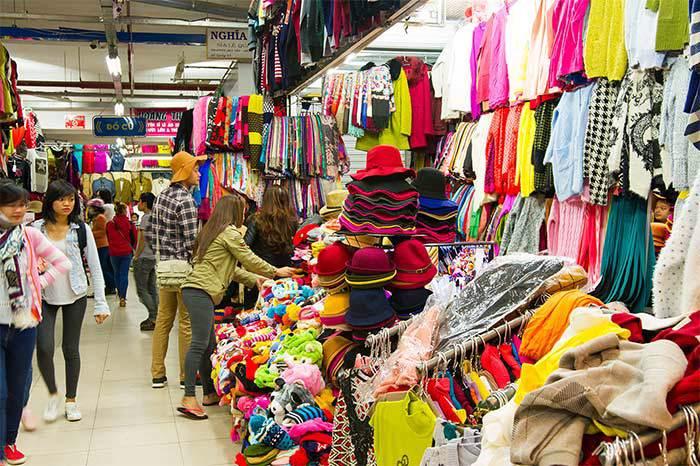 bán quần áo hiệu quả bằng cách nhập hàng từ chợ đầu mối