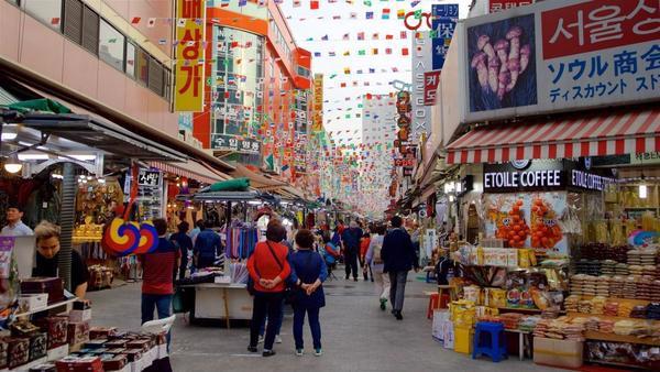 Cách lấy hàng quần áo bán online tại chợ Hàn Quốc