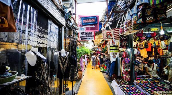 Cách lấy hàng quần áo bán online tại chợ Chatuhak