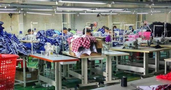 Cách lấy hàng quần áo bán online tại xưởng