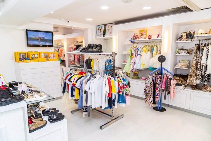 cửa hàng bán quần áo trẻ em