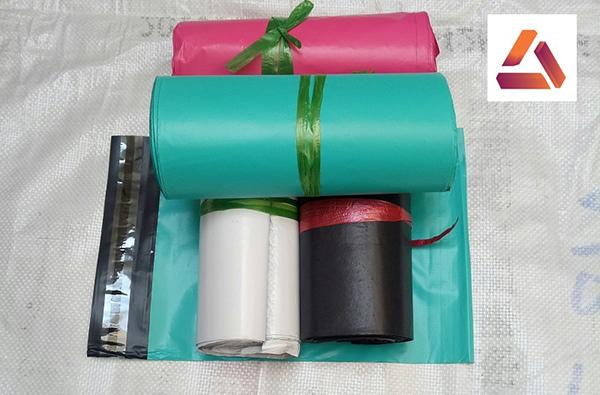 Cuộn túi gói hàng PE 100 túi trên một cuộn