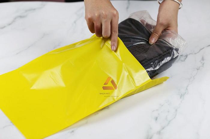 Túi Pe đóng hàng màu vàng