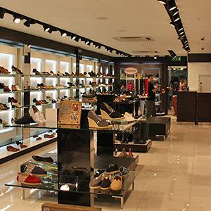 [Bật mí] Mở shop giày dép cần bao nhiêu vốn?
