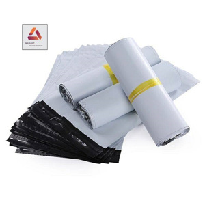 Túi trắng đóng gói 100 túi/ cuộn